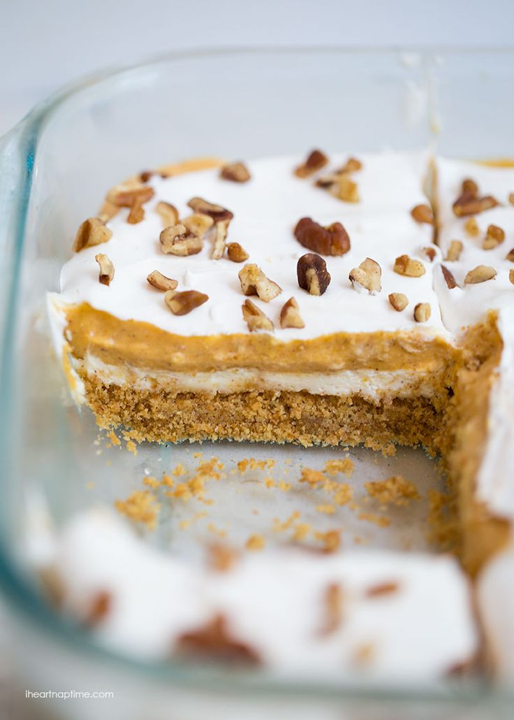 Pumpkin Cheesecake Lasagna on iheartnaptime.com -such a delicious dessert for fall! Starts with a thick graham cracker crust, cream cheese and pumpkin pie filling!