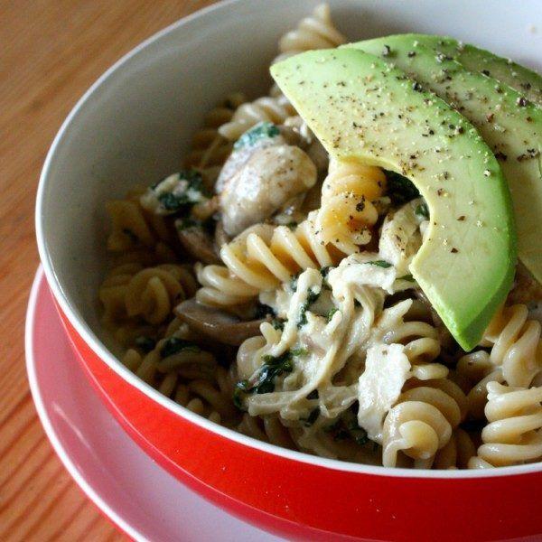Creamy chicken, avocado and kale pasta (kid friendly!)