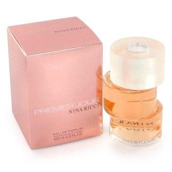 Nina Ricci Premier Jour is een zacht, fruitig en bloemig geurtje dat de wedergeboorte van het Nina Ricci merk moet voorstellen. Een sensueel, maar niet te sensueel aroma. Het weerspiegelt de rivaliteit tussen bescheidenheid, vrijheid en controle.
