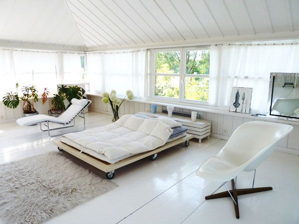 maison 3 suisses starckhouse by philippe starck dortoir. Black Bedroom Furniture Sets. Home Design Ideas