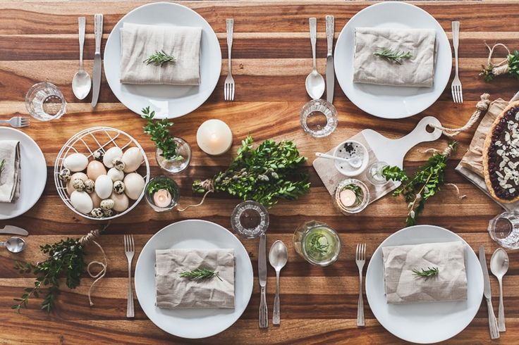 KINFOLK EASTER TABLE SETTING IDEA #kinfolktable #eastertable #Eastertabledecoration #eastertablesetting #kinfolktabledecoration
