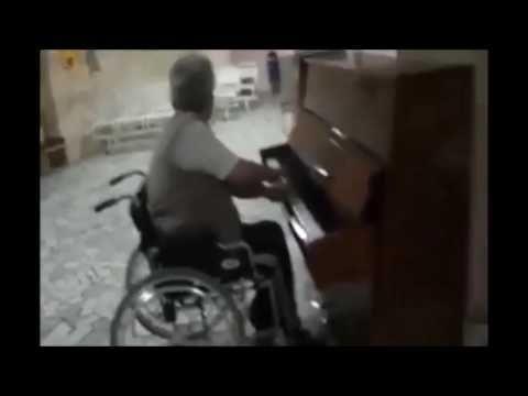 Игра на пианино от Rubi