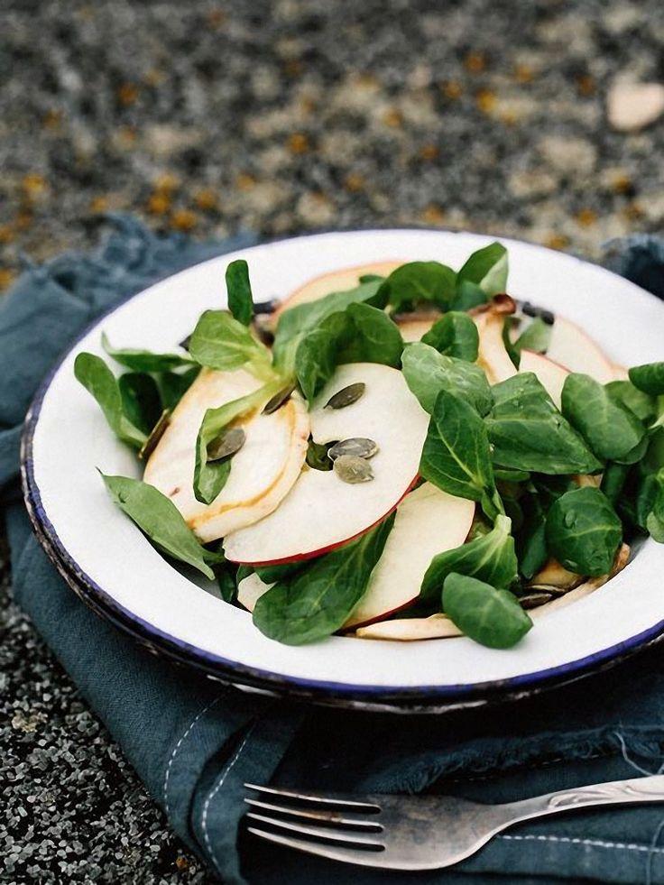 DIY-Anleitung: Kürbisbrötchen mit Feldsalat zubereiten via DaWanda.com