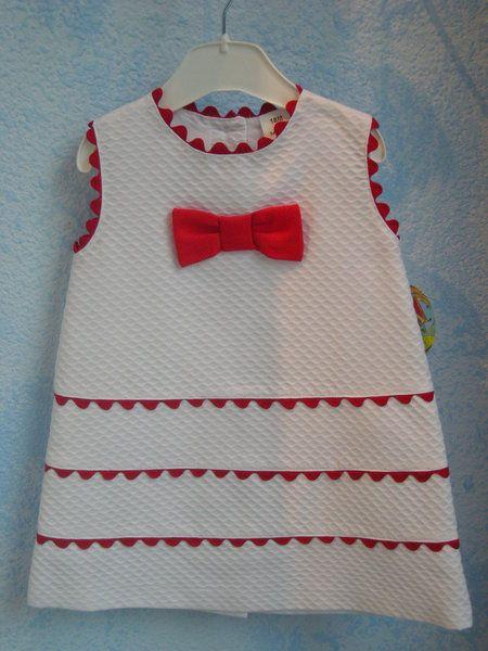 VESTIDO PIQUE White dress with red rick rack trim