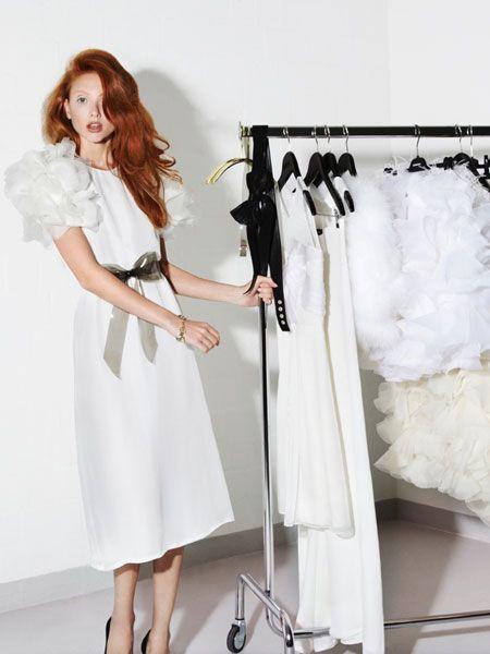 Sie träumen von einem Designer-Brautkleid? Dann haben wir einen heißen Tipp: Das Berliner Label Kaviar Gauche veranstaltet den ersten