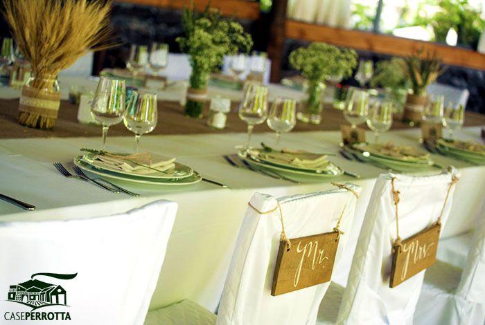 Allestimento gazebo per ricevimento nozze con sedie per gli sposi