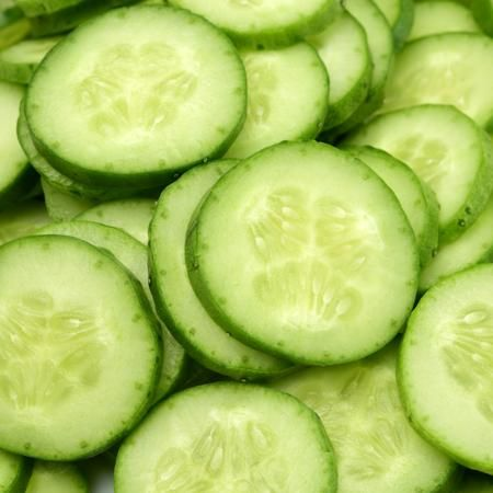 Cucumbers - with peel, raw Starch Content: 0.8g