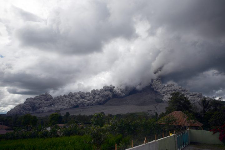 Indonesia's Mount Sinabung volcano erupts, spewing ash into the sky | boom 99.
