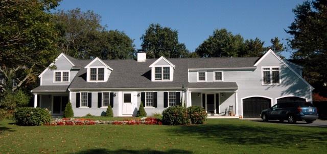 light gray house white trim black shutters mmooovvinnnggg pinterest traditional colors. Black Bedroom Furniture Sets. Home Design Ideas