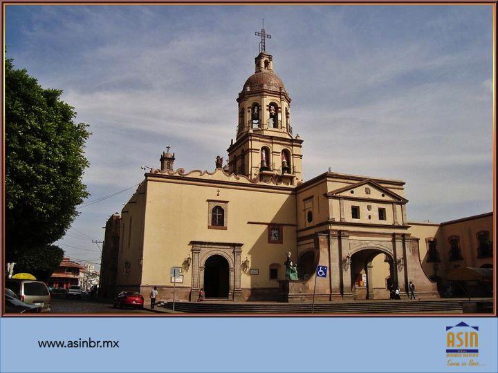 #fraccionamientosenqueretaro FRACCIONAMIENTOS EN QUERÉTARO. Si usted va a viajar a Querétaro en estás próximas pascuas, le sugerimos visitar el Templo de la Cruz, donde podrá conocer su historia original y llevar como recuerdo, una de las crucecitas hechas con las espinas de los árboles del convento. En ASIN BR, le invitamos a conocer las casas que tenemos en el fraccionamiento EL REFUGIO. (442) 3409009 y (442) 5258451