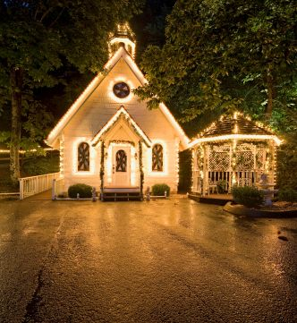 Cute Wedding Chapel In Gatlinburg