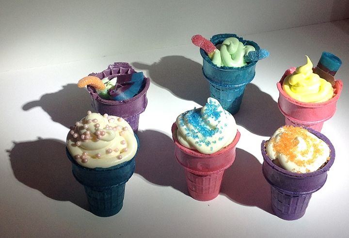Spring Break Ice Cream Cone cakes - fun for the kids to make.