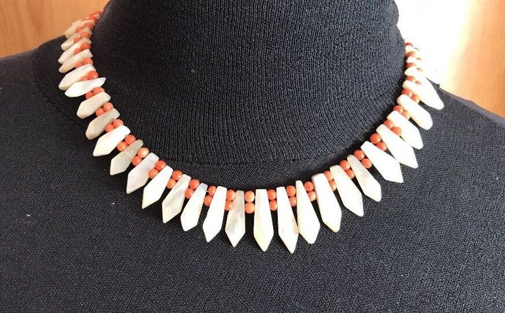 Vintage Coral and Mother of Pearl Pickets Necklace