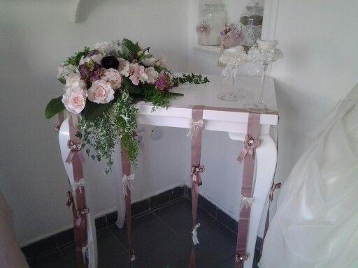 #gelinbuketi #gelinçiçeği #gelinlik #gelinbuketleri #nişançiçeği #nişanlık  #kına #gelintacı #evleniyorum #evlilik #söz #nikahşekeri #nişan #kınamalzemesi #elçiçeği #kınamumu #kınatacı #gelintacı #evlilik #taç #çiçeklitaç #gelinayakkabısı #nişantepsisi #nedimebilekliği #nedimeçiçeği #çiçeklitaç #anıdefteri #damatyakaçiçeği organizasyon