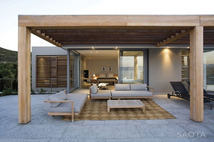 Striking South African Residence Offers Amazing Ocean Views and Expansive…
