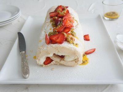 Strawberry Pavlova Roll recipe