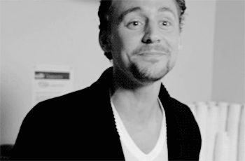 http://hiddleston-daily.tumblr.com/post/123874261730/crimson-peak-cast-tom-hiddleston-jessica