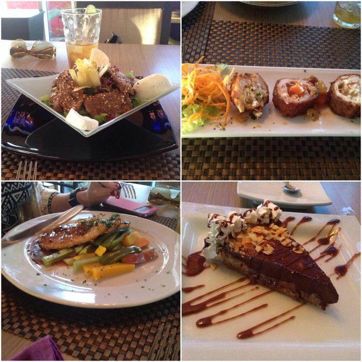 Exquisito almuerzo en uno de mis favoritos restaurantes en Maracaibo. Buena música + agradable ambiente + deliciosa comida.
