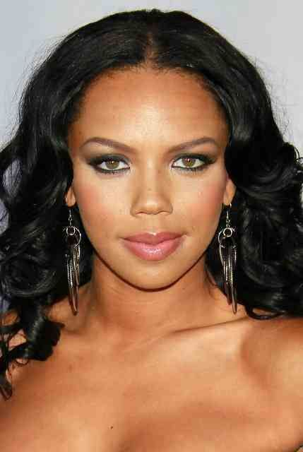 Kiely-Williams-Age-Height-Weight