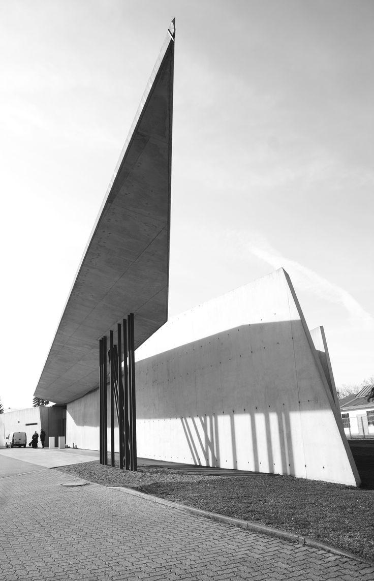 Zaha Hadid, Vitra Fire Station, Postmodern Architecture (Deconstruction), 1993