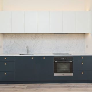 Naked Doors manufactures bespoke replacement kitchen cabinet doors. As part of Naked Kitchens, we make beautifully constructed doors.