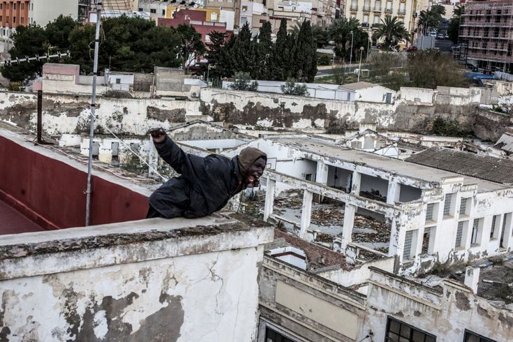 61 best CRÓNICAS images on Pinterest | Refugee crisis, Syrian ...