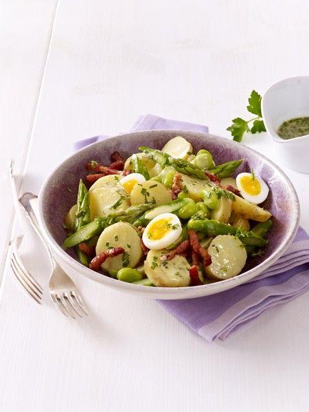 Das perfekte Gemüse zum Abnehmen? Spargel! Mit seinem hohen Wassergehalt ist Spargel der ideale Sattmacher und pusht nebenbei auch noch die Fettverbrennung.