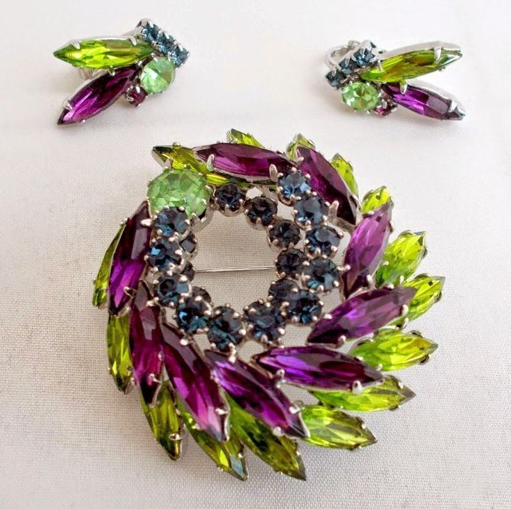Vintage Rhinestone Purple Chartreuse Brooch Earring Set Demi Parure Navettes