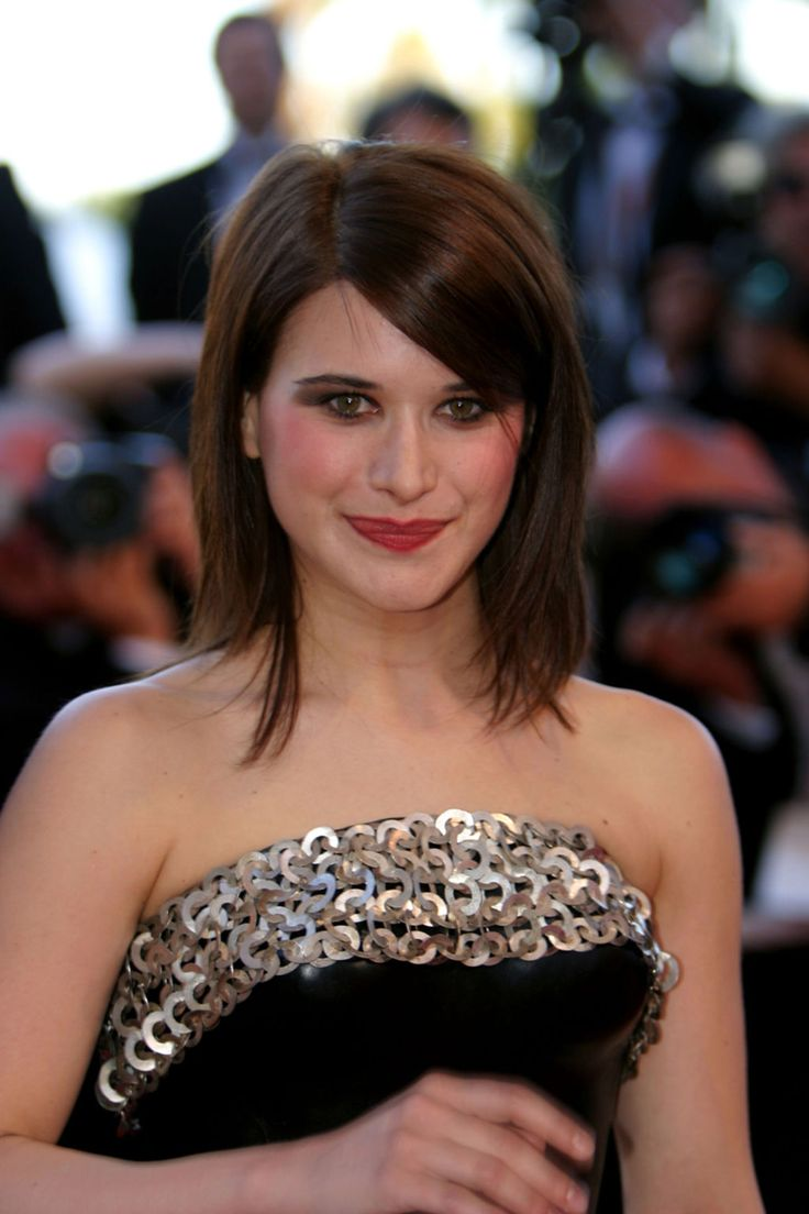 """Valentina CERVI"", ""Irlande Union européenne"", Française de Hockey sur Glace"", FFHG, ""UK BREXIT"", Jupiter in Pisces, Saturn in Aquarius horoscope, ""entente cordiale"", expatriées, ""yé yé"", ""nouvelle vague"", Demonoid, ""power metal"", ERASMUS, arthouse, mumblecore, ""Valentina ROSSELLI"", CREPAX, CLOTHILDE, ""Asia ARGENTO"", ""Danielle HARRIS"", grunge, ""indie girl"", ""cheveux roux"", ""bob avec une frange"", ""Renault 19 Chamade"", voitures, ""Les Sims 2"", VoVillia, ""crocs de vampire"" & ""bottes gothiques"""