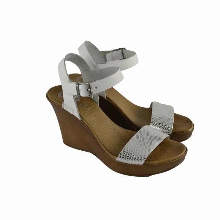 #Sandalias de cuña alta con plataforma delantera y corte de tira de piel plata con pulsera tobillera de la marca española PORRONET.