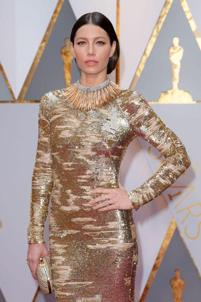 Jesica Biel wears Kaufmanfranco golden gown at 2017 Academy Awards. #glamorous #bestdressed #oscars #academyawards #oscarawards #celebrity #celebritystyle #fabfashionfix #jessicabiel