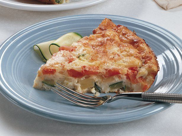 Impossibly Easy Zucchini Pie - a great way to use veggies during the summer. This was super easy to make - note the different variations & add ins from the comments.