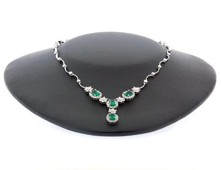 Diamond Emerald Necklace 18K W/Gold Suite 403, Level 4 250 Pitt Street, Sydney Tel: +61412461008 http://ow.ly/luF330fsmLr  #White_Gold #TwinkleDiamonds #Diamond_Necklace #Diamonds #Necklace
