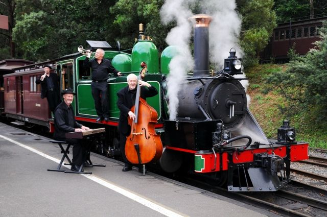 Mast Gully Quartet with Puffing Billy :: Dandenong Ranges, Victoria, Australia
