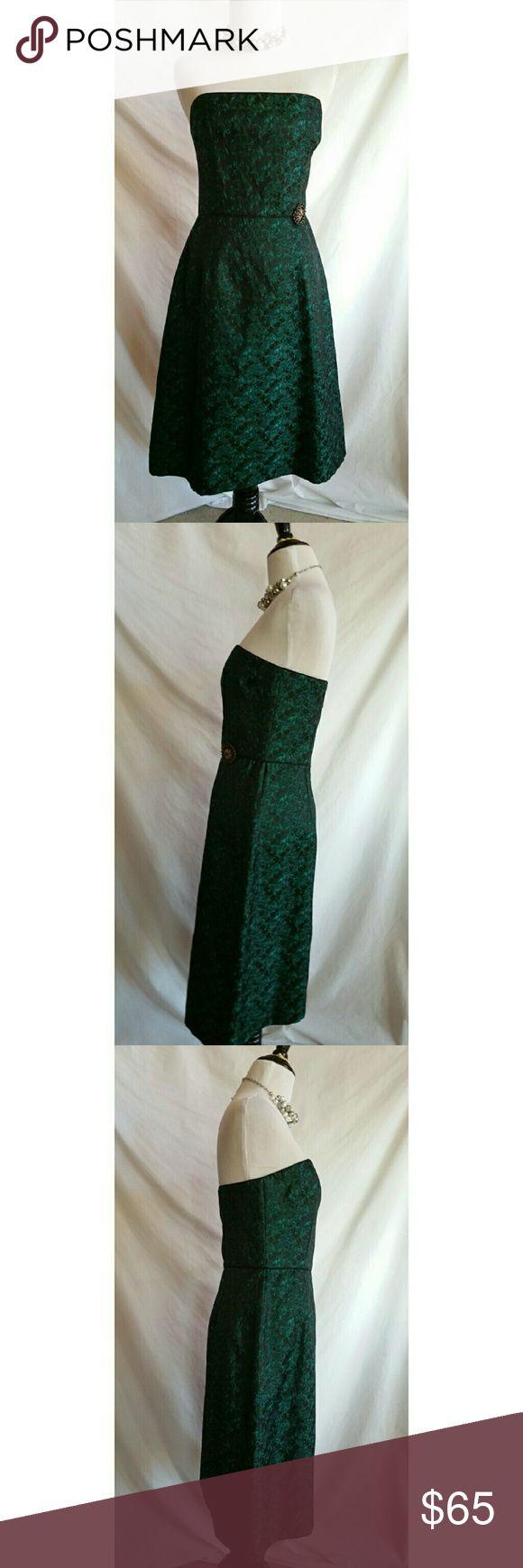 Laundry Shelli Segal Size 8 Strapless Dress Cocktail,  evening dress.  Back zipper.  Acetate,  polyester.   Acetate lining.   Stunning,  high quality dress! Laundry by Shelli Segal Dresses