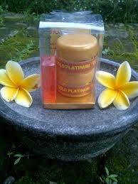 Walet Gold Cream adalah perawatan untuk mengoptimalkan elastisitas kulit atas secara eksternal maupun internal sehingga kulit terlihat lebih kencang dan awet muda http://lianybeauty.blogspot.com/2012/02/walet-gold-platinum-non-mercury-dan.html