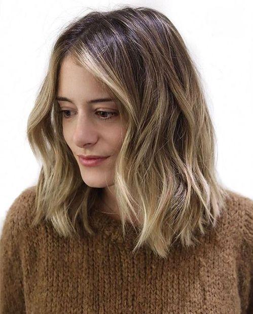 Die romantischsten, sonnengeküssten, mittelgroßen Frisuren, die wirklich unglaublich sind
