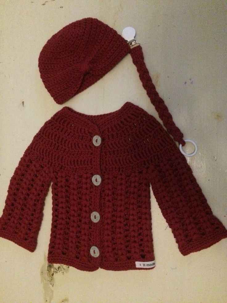 Crochet babycardigan, hat an pacifier band 2016 - Naomi
