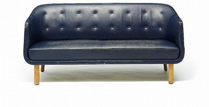 Kay Fisker, attributed: Freestanding three-seater sofa with light ash legs. Sides, seat and back upholstered with patinated blue leather.