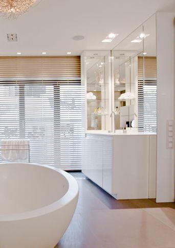 Weisses Modernes Herrliches Luxus Badezimmer Kerndesign   A New Beginning  Badezimmer