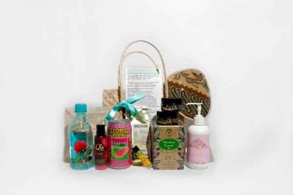 Hawaiian Wedding Gift Baskets : ... Bag Ideas Unique Wedding Gift Bags for Destination Weddings Hawaii