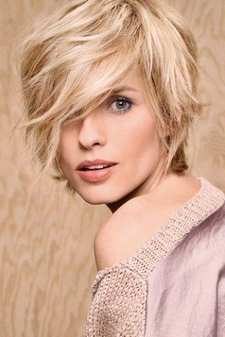 Cheveux courts Camille Albane