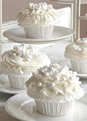 ♔ White Cupcakes