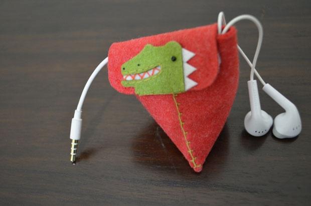 Dinosaur Felt Earphone pouch - Korea Hongdae Free Market