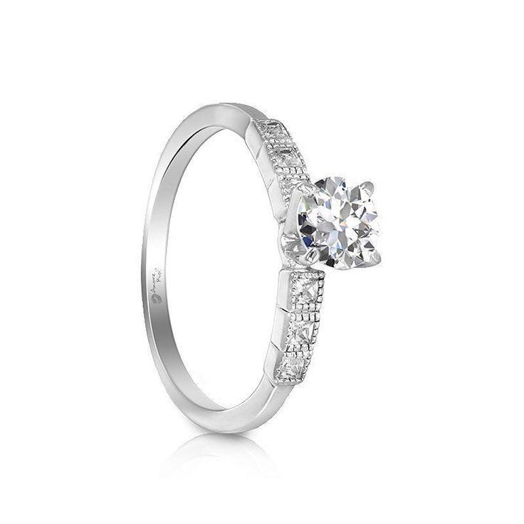 29 años como líderes del ramo joyero conoce las grandiosas joyerías de @amore_mio_jewelry y cuéntanos cual es el mejor . . . .  #love #proposalplanner #propuestadematrimonio #anillodecompromiso #couple #aniversario #engaged #teamo #iloveyou #regalo #comoteconoci #compartetuhistoria