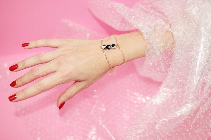 Hello girls ! Aujourd'hui je vous propose un bijoux très tendance et très simple à réaliser. Dans le design, la mode ou encore l'architecture, on aime beaucoup le marbre pour son coté f…