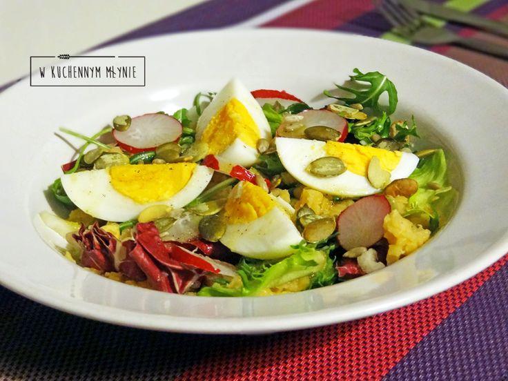 Sałatka z jajkiem i soczewicą