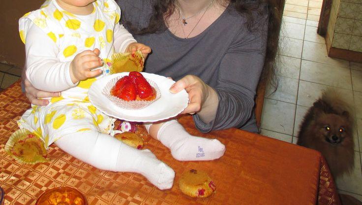 Fleur et Lumière: Violette aime la tarte aux fraises