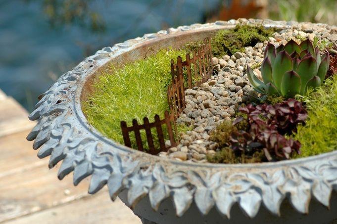 Fairy garden path planter. I'm gonna make one!: Gardens Ideas, Birdbaths, Gardens Design Ideas, Gardens Paths, Fairies Gardens, Bird Baths, Minis Gardens, Birds Bath, Miniatures Gardens