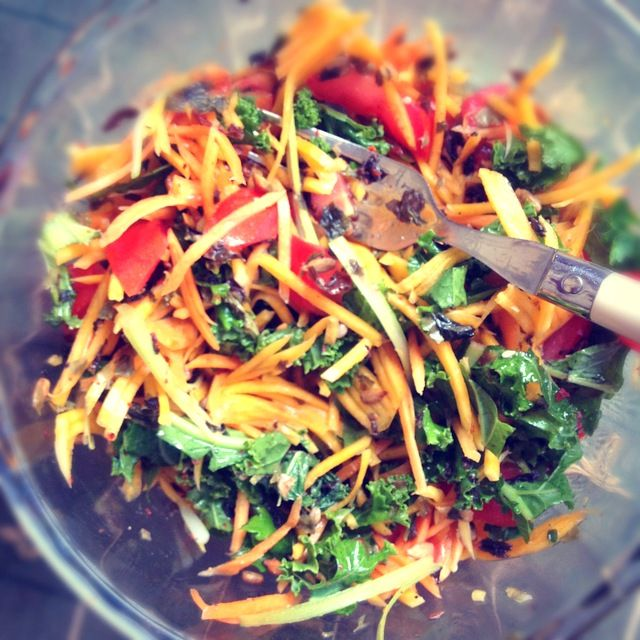 Colourful salad with seaweed miso dressing. @fussfreeflavours